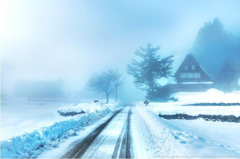 合掌村點燈夜迷人雪景。(圖攝/傑瑞大叔提供)