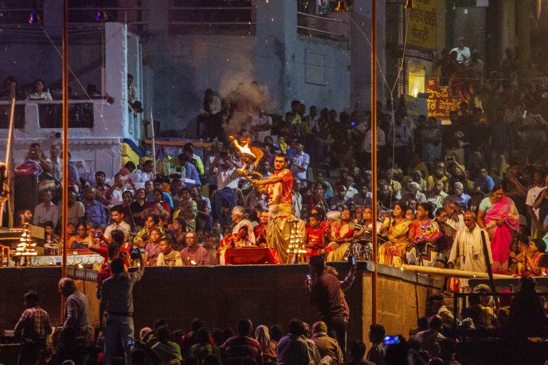 恆河夜祭是延續了千年的神聖儀式(圖片來源:吳德朗)