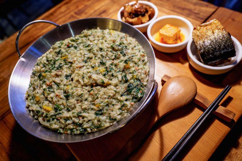 原味呈現的山地飯,讓許多原民朋友也特意前來品嘗。(kituru提供)