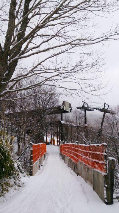 Gondola的聯絡道這麼窄一條。(photo by 阿福)