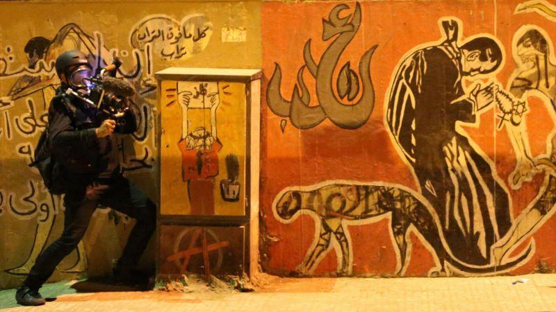 《塗鴉與革命》紀錄2010年起阿拉伯之春中,藝術創作成為當地青年發聲利器。(游牧影展提供)
