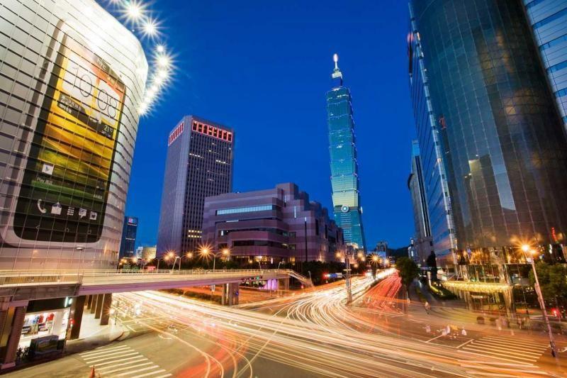 101大樓的拍攝點-世貿人行陸橋 圖攝/哈米貓
