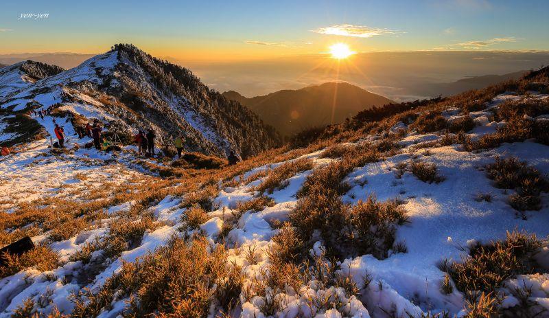 雪季的合歡,竟是如此迷人。圖/鄭妍妍 提供