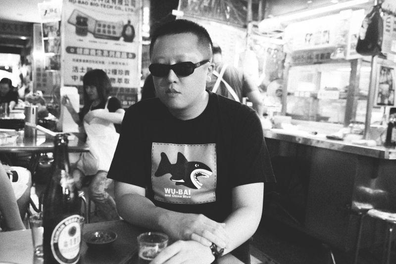 2002 至 2004 年是中坡不孝生的知識養成期,寧願不吃飯也要買唱片。(羅元成攝)