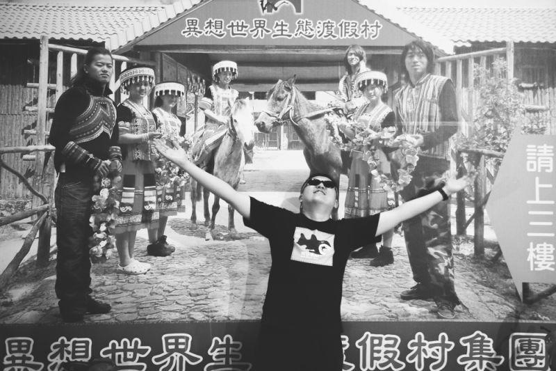 中坡不孝生:「也許我真的丟了這麼一顆手榴彈,人家才開始思考說阿不要再用英文寫歌詞。」(羅元成攝)