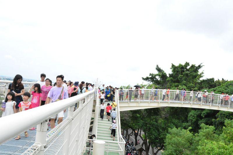八卦山天空步道啟用典禮,人來人往 圖/彰化縣政府提供