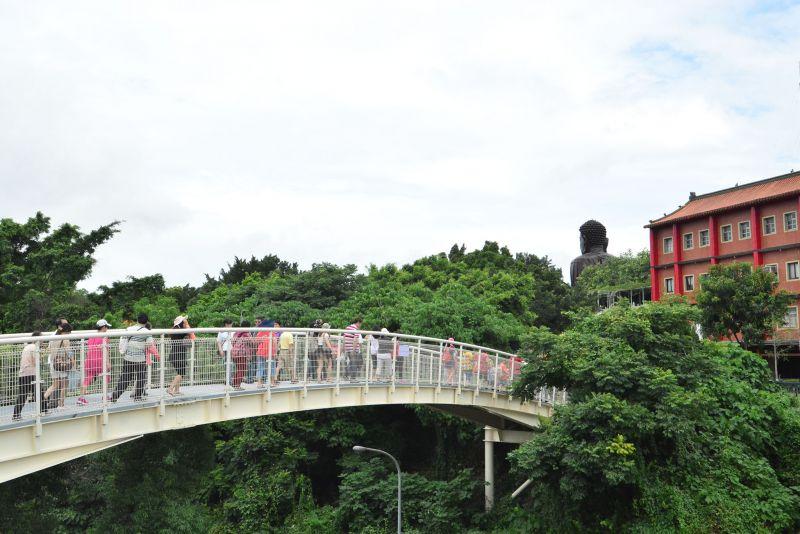 八卦山天空步道啟用典禮,民眾前來遊玩 圖/彰化縣政府提供
