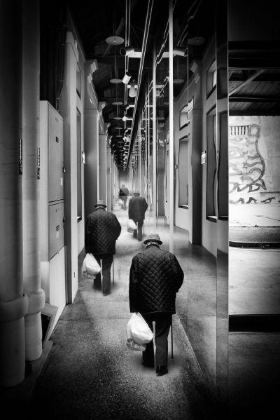 〈時間老人〉/時間一直在走,那我們呢?圖/Peter Wang 提供