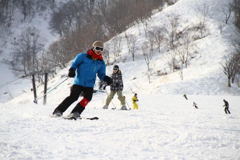 教練帶隊滑。(photo by 阿福)