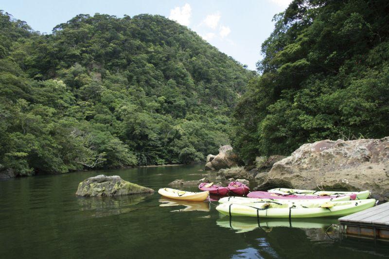 來到西表島不可錯過探險行程,例如划獨木舟就十分熱門。(Photo│123RF)