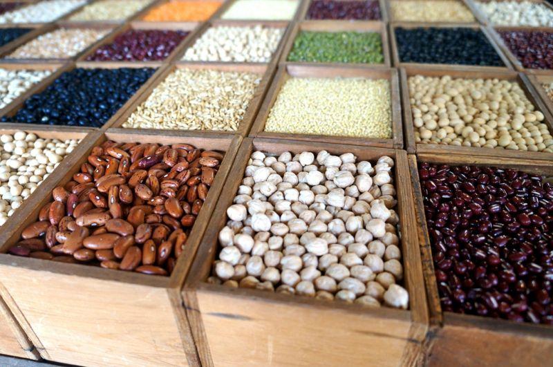 永豐米糧行以廣合商行為殼,販售起五穀雜糧。(Sheila Hsu攝影)