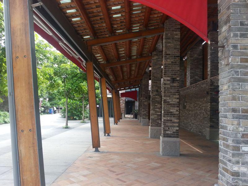 半戶外空間的改造依循既有設計脈絡,提供舒適的活動空間;圖片提供 / Foshan Shui On Property Development Co Ltd