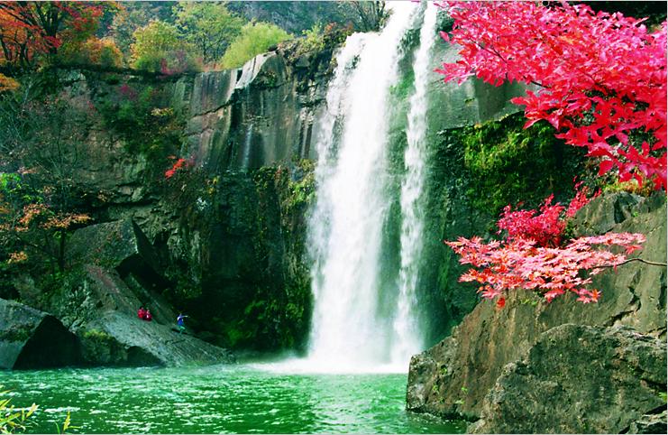 圖片來源:遼寧寬甸旅遊網 http://www.v-hz.cn/index.asp