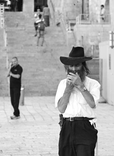 (Jewish at The West Wall, Israel / 2014)攝於耶路薩冷的哭牆 廣場。圖/七七 提供