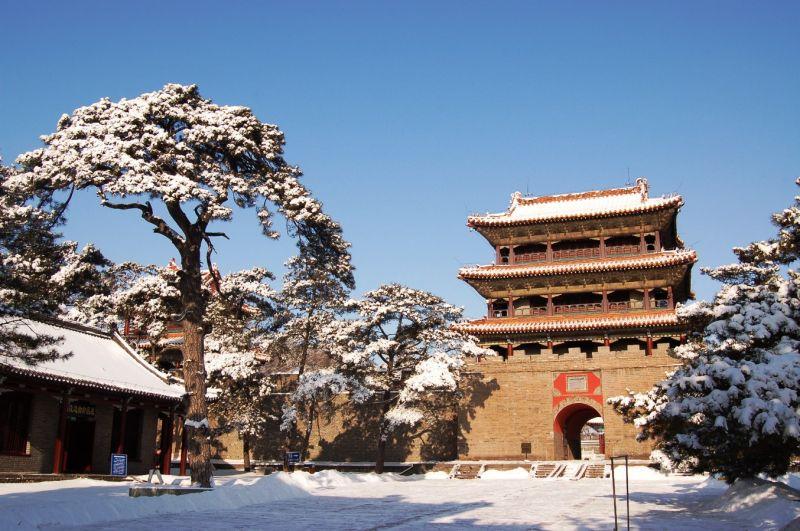 冬季的福陵景觀一片美麗的雪白ㄡ