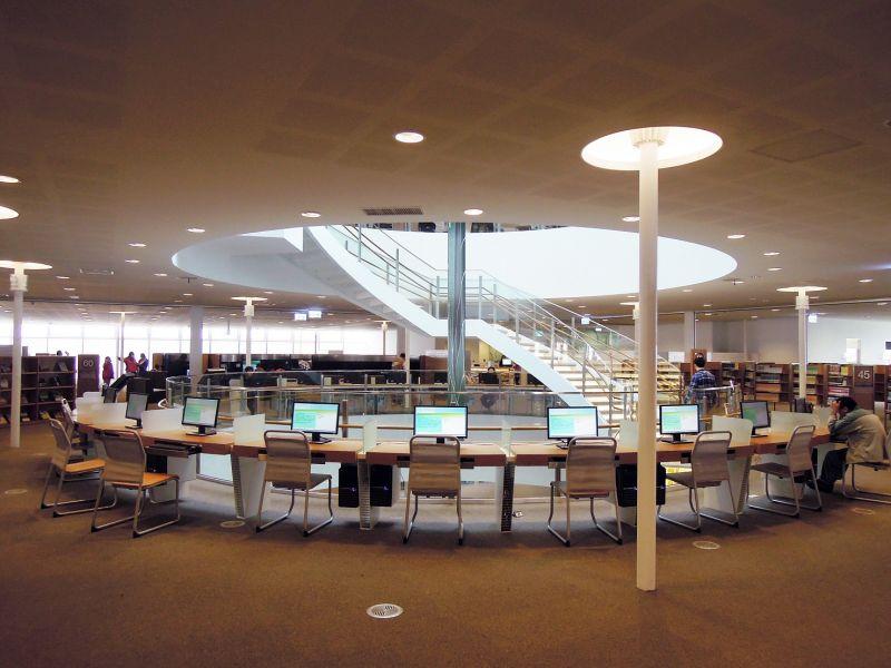 高雄市立圖書館總館,劉培森建築師事務所+竹中工務店;圖片提供/建築師雜誌社