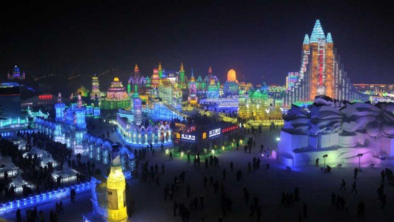 世界三大冰雪祭之一-哈爾濱冰雕(圖片來源:雄獅旅遊)