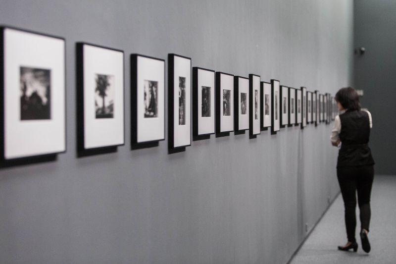 《另一種目線 王信攝影展》展場圖/北美館提供