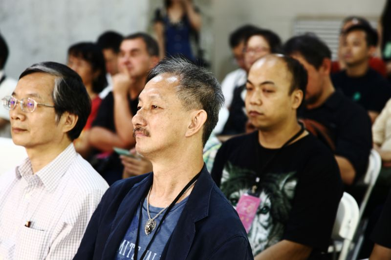 中研院數位文化召集人林富士先生(左)與TIVAC創辦人全會華先生(右)圖攝/酸鼻子